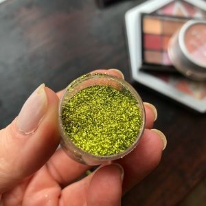 Makeup Forever Makeup - Lime green glitter
